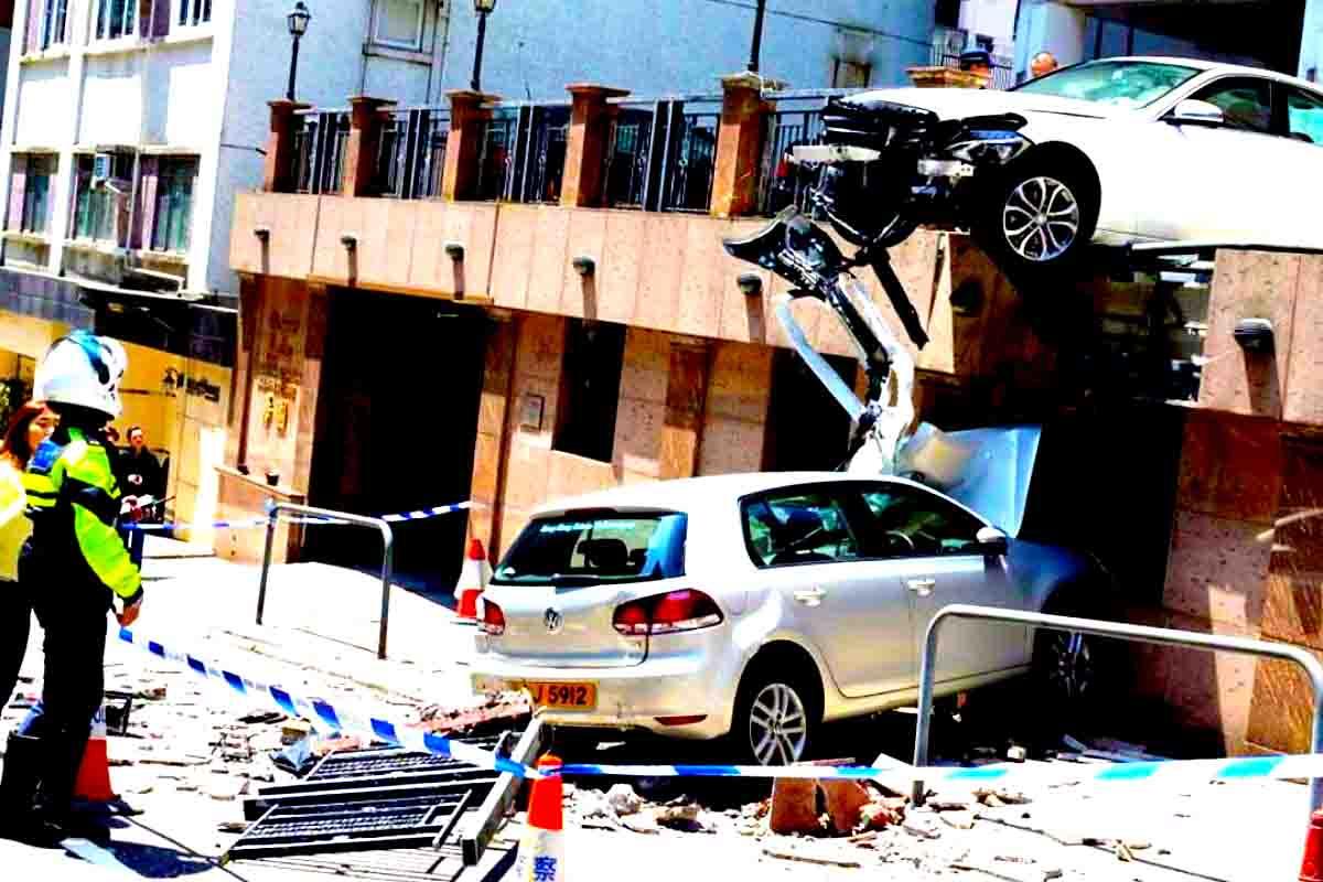 Perito Accidentes de Estacionamiento, golpe al salir/entrar