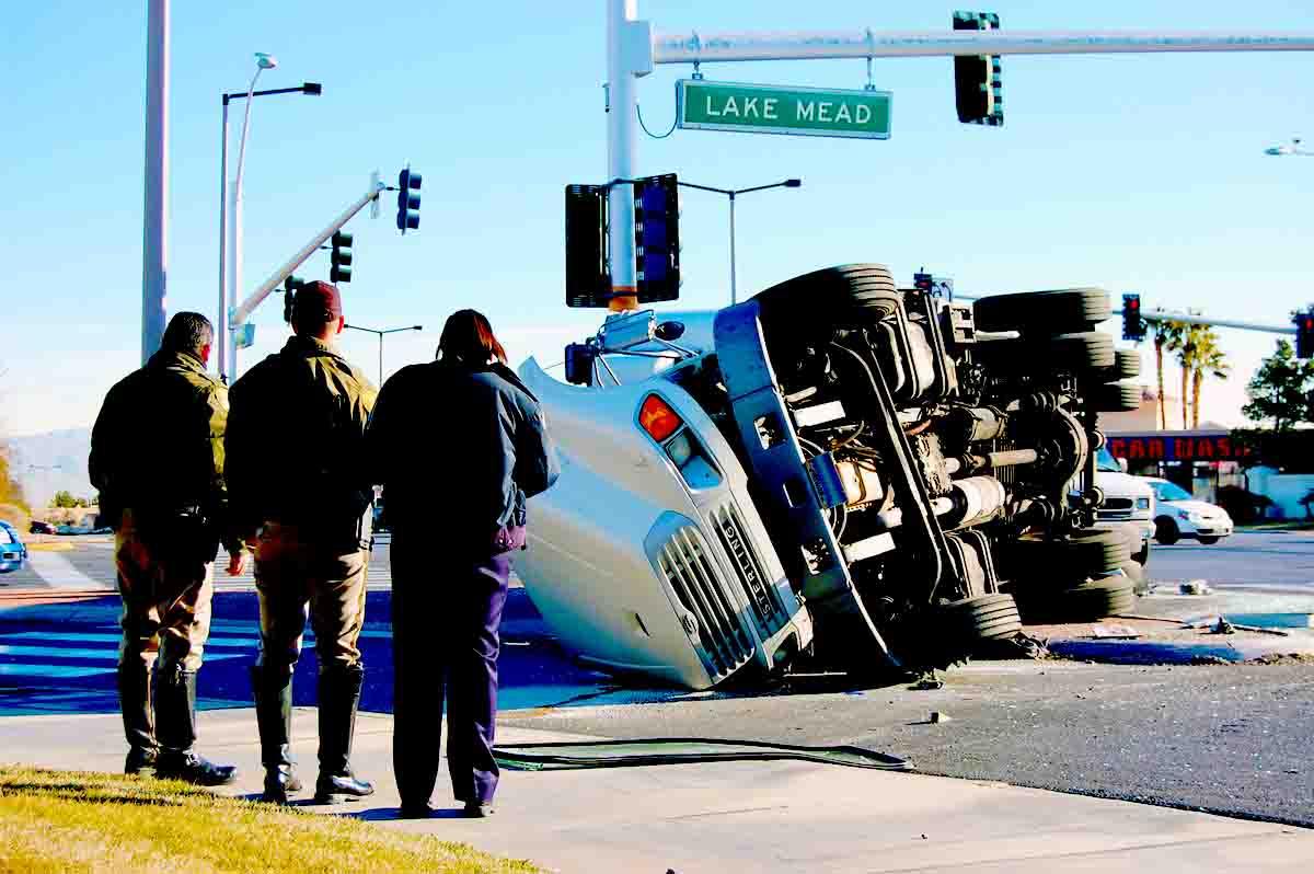Perito en Accidentes de Camiones. Causas comunes, carretera