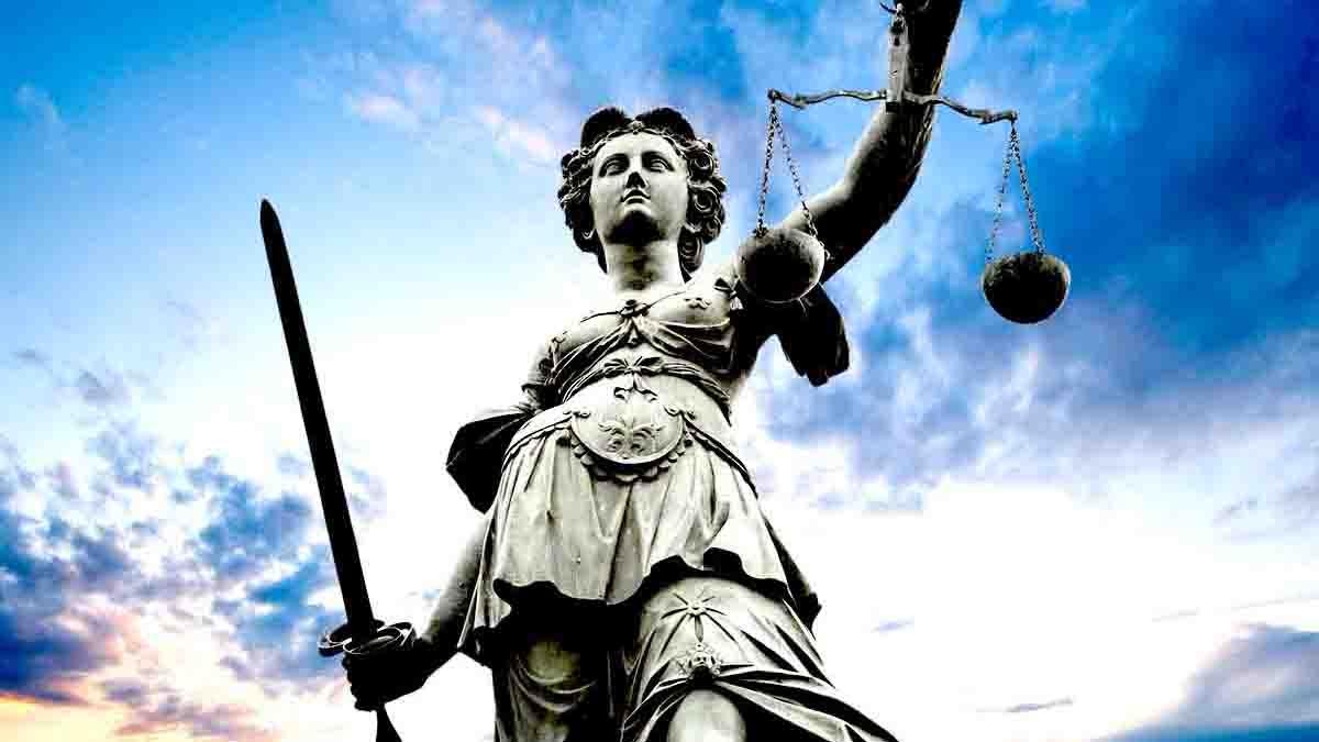 Perito en Cumplimiento de Normativa Legal y obligaciones