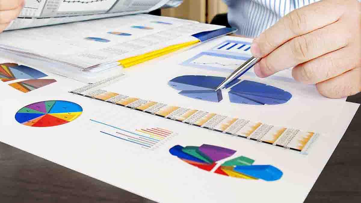 Perito en Finanzas, economía y contabilidad