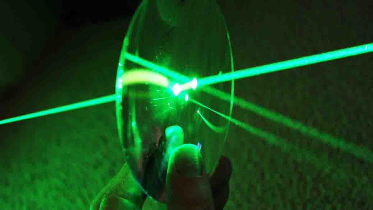 Perito en Fotónica, uso de fotones, fibra óptica, láser