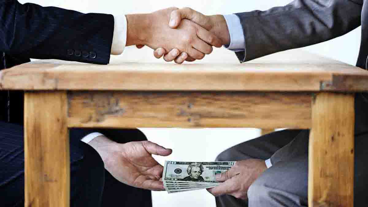 Perito en soborno, cohecho y extorsión. Combatir ilegalidad