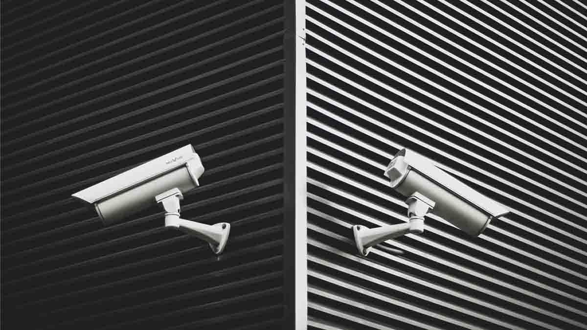 Delito contra la intimidad: todo lo que debes saber